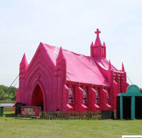 Roze kerk huren